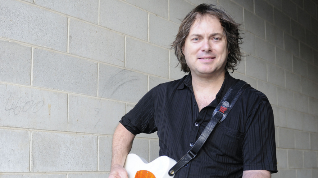 Richard Waterson performing at Gympie RSL